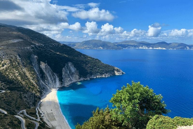 Myrtos beach op het Griekse eiland Kefalonia